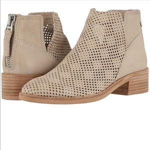 Dolce vita Tommi sand leather heeled ankle booties